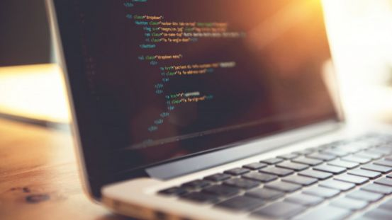 10 Reasons You Should Outsource Web Development Instead of DIY